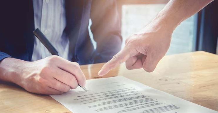 Key Considerations Before Signing as a Loan Guarantor